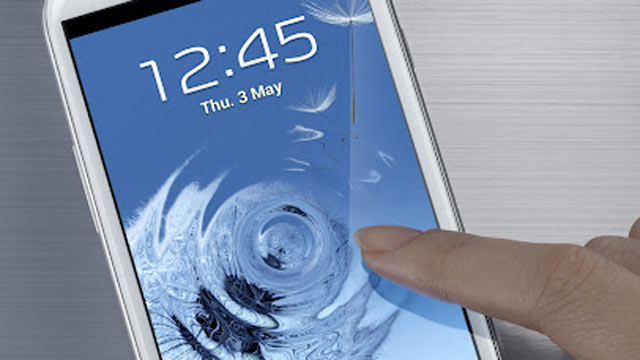 PHOTO: Samsungs Galaxy S III pictured.