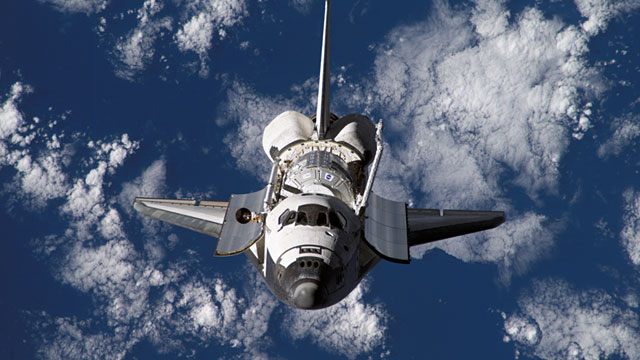 PHOTO: Shuttle Discovery in orbit