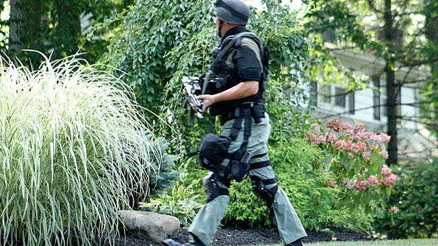 PHOTO: On July 23, the Bergen County Police Department SWAT team responded to a male caller who reported a hostage situation at a household in Wyckoff, New Jersey. http://wyckoff.patch.com/