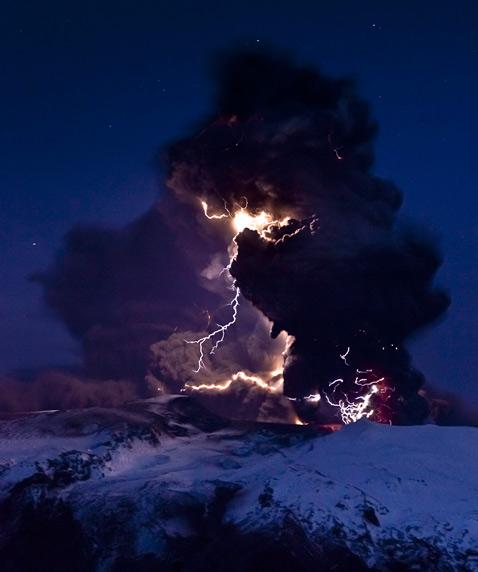 ht volcano lightning studied eyjafjallajokull iceland ll 120613 vblog Electrical Eruptions: Volcano Lightning