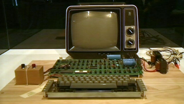 VIDEO: An Apple 1 computer from 1976 is on the auction block at Christies.