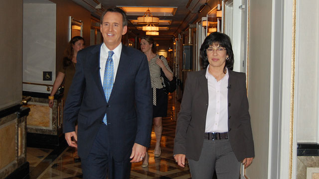 PHOTO: Christiane Amanpour interviews former Minnesota governor and Republican presidential candidate Tim Pawlenty.