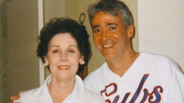 VIDEO: NPRs Scott Simon discusses his moving Twitter tribute to his mothers final hours.