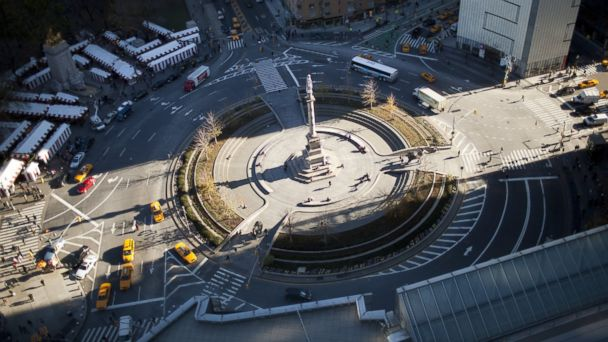 PHOTO: Road traffic moves at Columbus Circle roundabout near Central Park, Dec. 1, 2011 in New York.