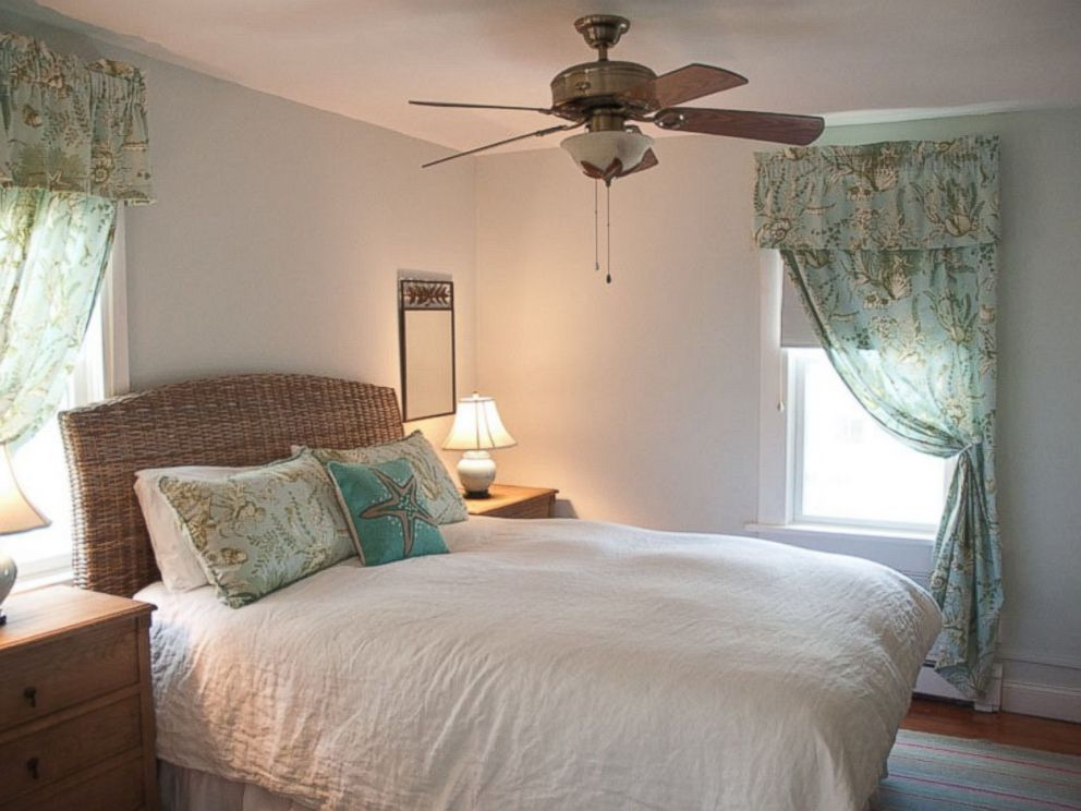 PHOTO: Guestrooms feature luxurious linens and private en suite bathrooms with environmentally friendly bath products.