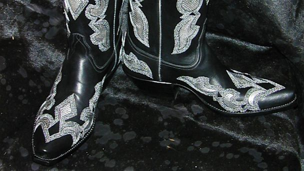 PHOTO: Tres Outlaws Boots