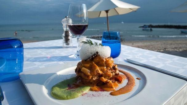 PHOTO: Cafe Des Artistes Del Mar at Hotel Cinco