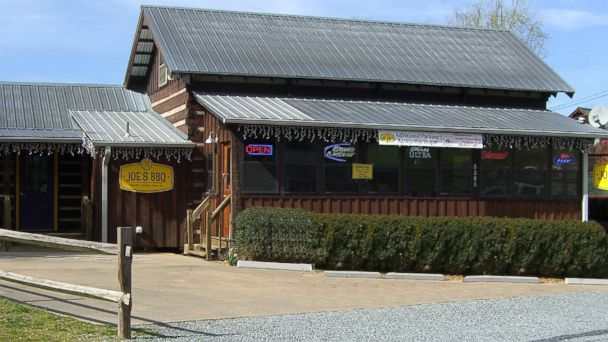 PHOTO: Joe's BBQ, Blue Ridge, Georgia.
