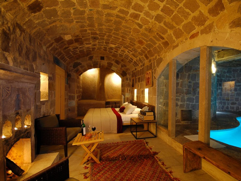 PHOTO: Rooms such as the Splendid Suite combine and underground cave aesthetic with luxurious amenities.