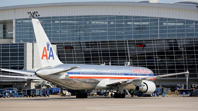 PHOTO: American Airlines jet at Dallas-Fort Worth Airports Terminal D