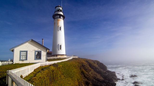 PHOTO: Pigeon point lighthouse is located in Pescadero California right on the coastline.