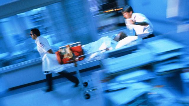 PHOTO: Paramedics in emergency room