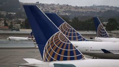 PHOTO: United Airlines has dropped its $50 hardship fee.