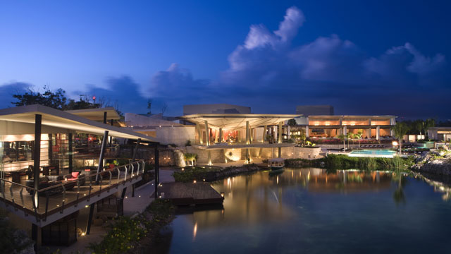 PHOTO: US Weekly reports these celebrities ? plus Stevie Wonder, Naomi Campbell and Kate Moss ? spent last weekend at the Rosewood Mayakoba resort on Mexico's Riviera Maya, just south of Cancun.