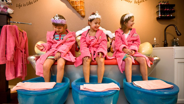 PHOTO: Scooops Kid Spa at Great Wolf Lodge