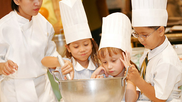 PHOTO: Young Pastry Chef class