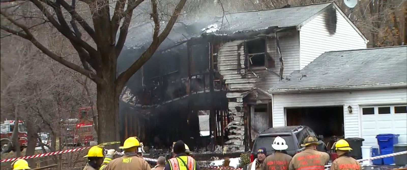 PHOTO: Smoke is seen after a small plane crashed in to a home and damaged others in Gaithersburg, Maryland, Dec. 8, 2014.