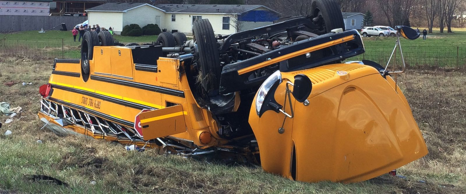 PHOTO:A school bus carrying Griffith High boys basketball team is seen overturned in Demotte, Ind., March 19, 2016.
