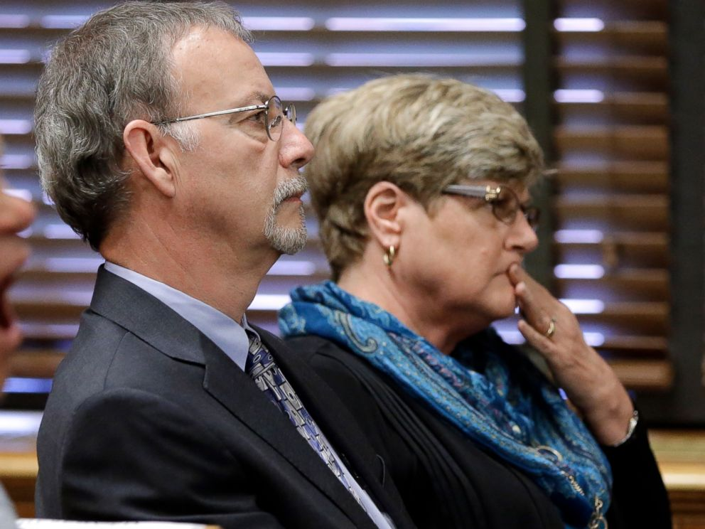 PHOTO:Steven and Paula Andrews, the parents of sportscaster and television host Erin Andrews, listen during court proceedings, March 1, 2016, in Nashville, Tenn.