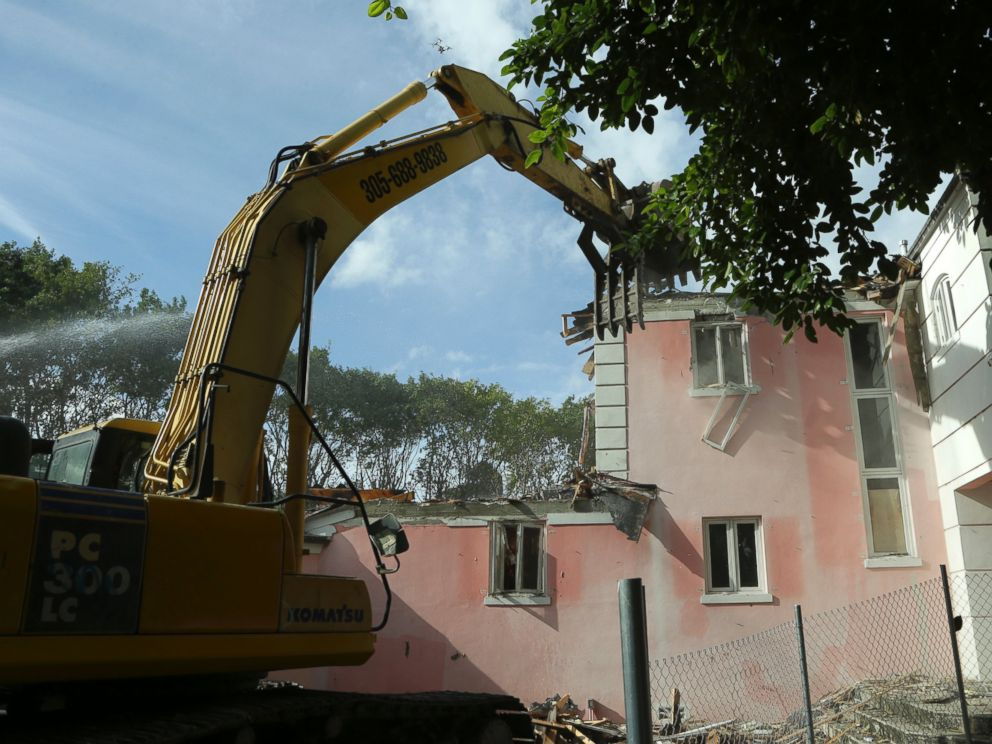PHOTO:A bulldozer demolishes the waterfront mansion formerly owned by Colombian drug lord Pablo Escobar, Jan. 19, 2016, in Miami.