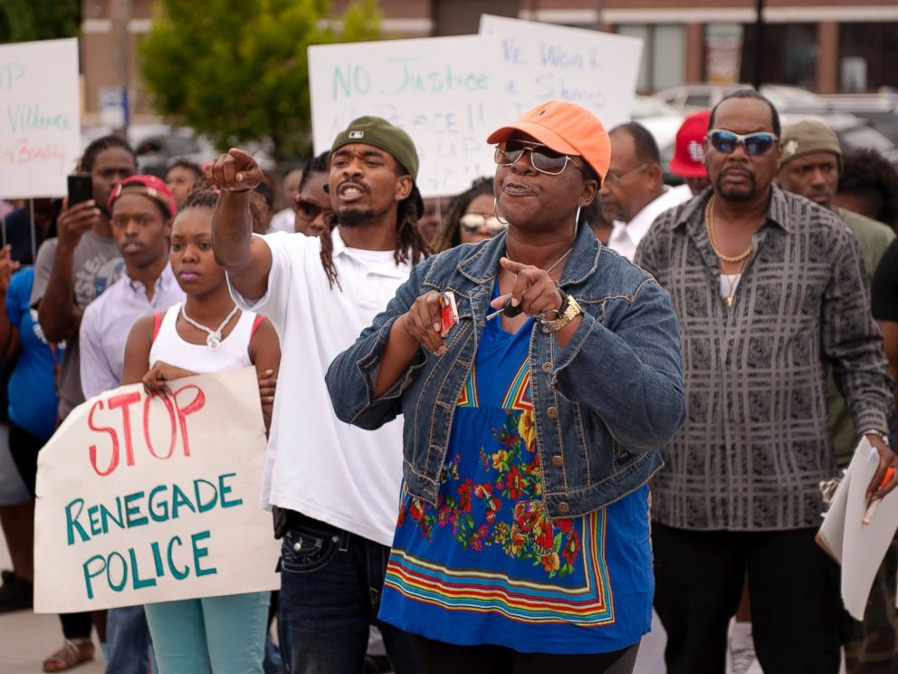 PHOTO: Protestors confront police during an impromptu rally, Aug. 10, 2014 to protest the shooting of Michael Brown, 18, by police in Ferguson, Mo.