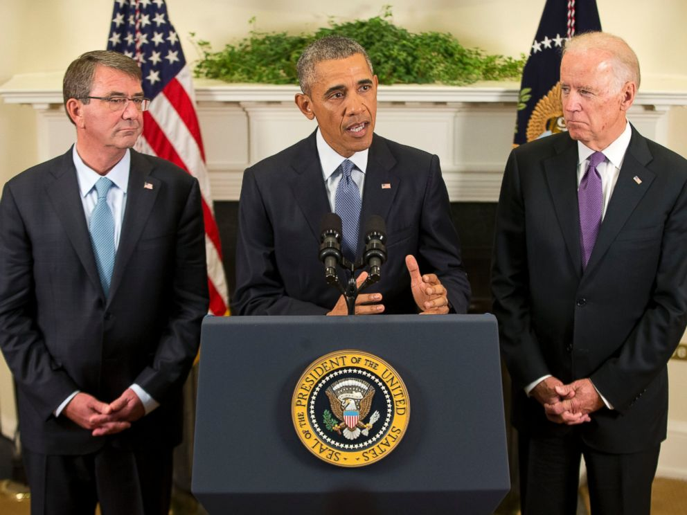 PHOTO: President Barack Obama, flanked by Vice President Joe Biden, right, and Defense Secretary Ash Carter, speaks about Afghanistan, Oct. 15, 2015, in the Roosevelt Room of the White House in Washington.