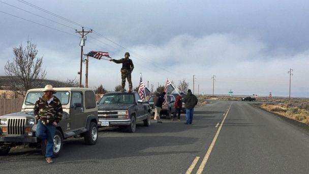 http://a.abcnews.go.com/images/US/AP_Oregon_standoff_ER_160211_16x9_608.jpg