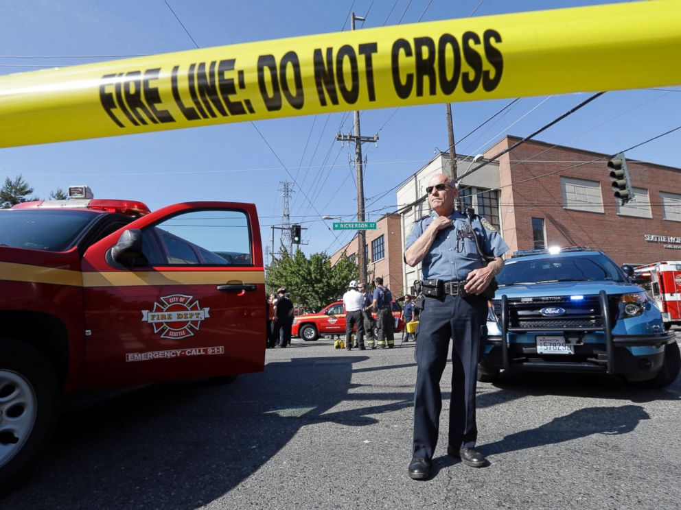 PHOTO: A police officer stands near the scene of a shooting on the campus of Seattle Pacific University, June 5, 2014, in Seattle.