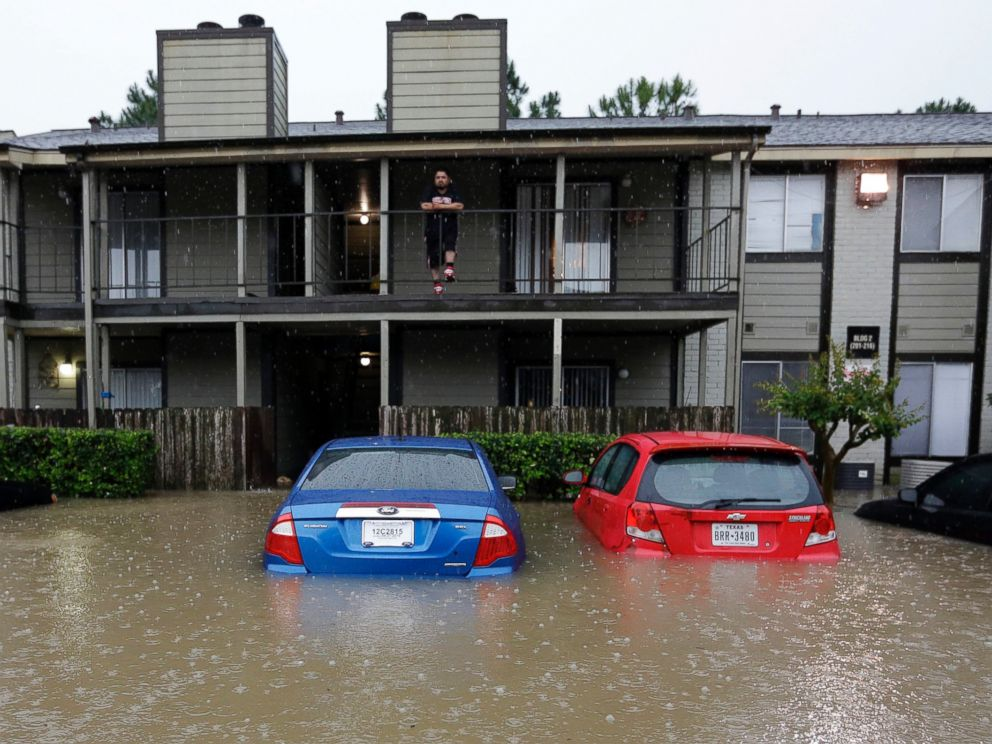 In Houston Nearly 900 Are Rescued as Severe Flooding ...