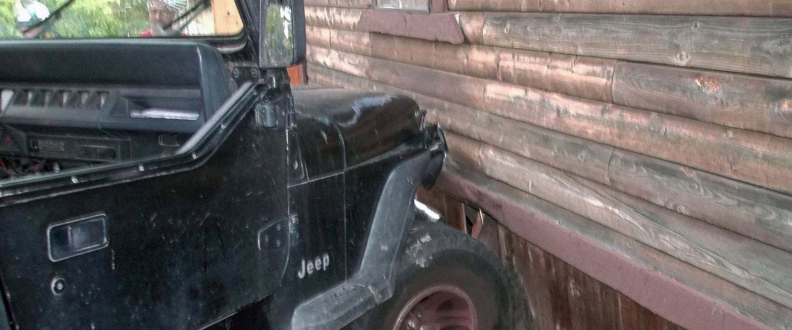 PHOTO: Authorities say a toddler crashed this Jeep into a home in Myrtle Creek, Ore. after knocking the vehicle out of gear, July 24, 2014.