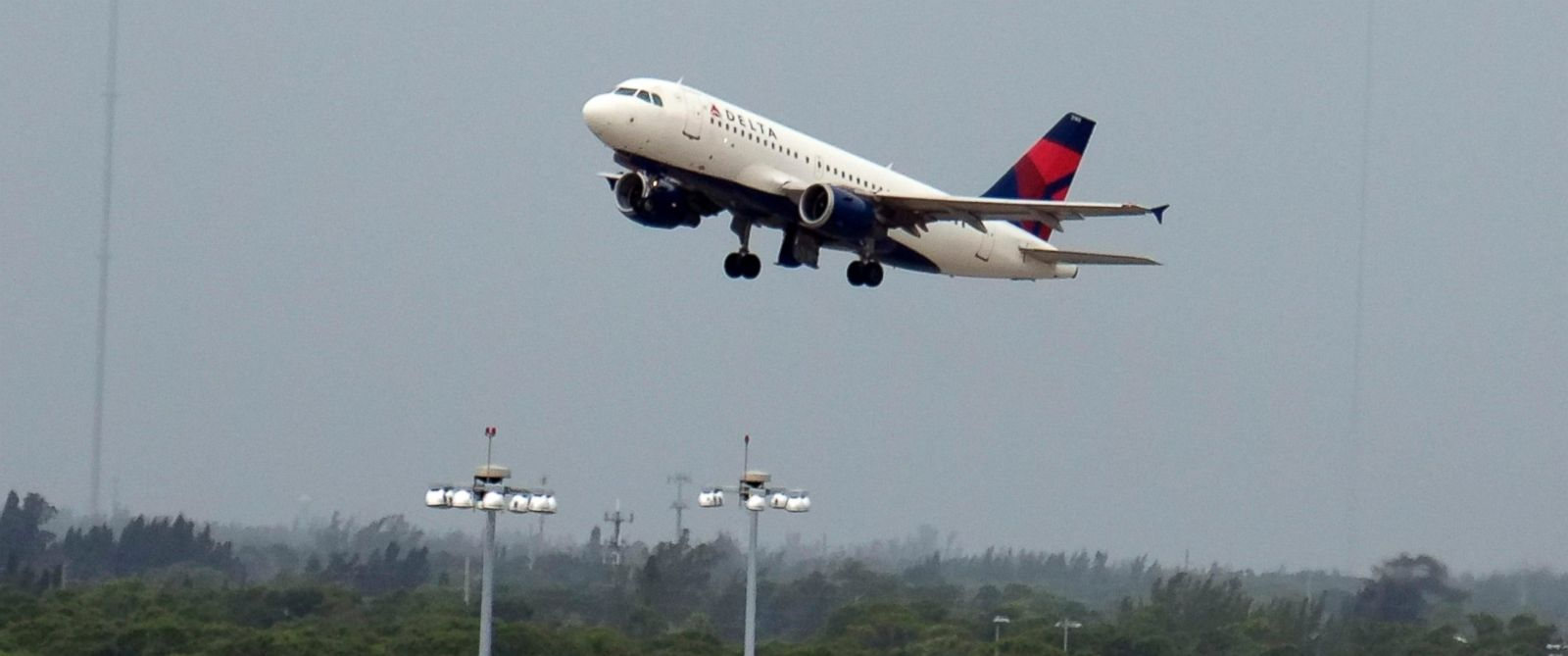 PHOTO: A Delta Airlines jet plane takes off from the Palm Beach Airport, Nov. 16, 2013.