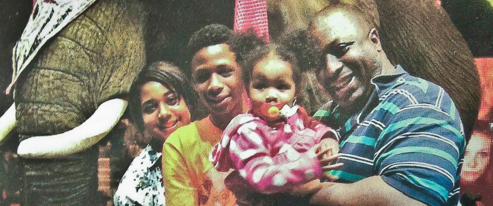 PHOTO: Eric Garner, right, poses with his children during during a family outing in this undated family photo provided by the National Action Network, Saturday, July 19, 2014.