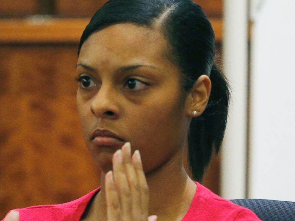 PHOTO: Shaneah Jenkins testifies during the murder trial of former NFL football player Aaron Hernandez at Bristol County Superior Court in Fall River, Mass. on Feb. 4, 2015.