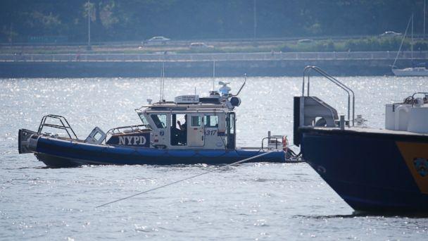 http://a.abcnews.go.com/images/US/AP_hudson_river_plane_crash_2_jt_160528_16x9_608.jpg