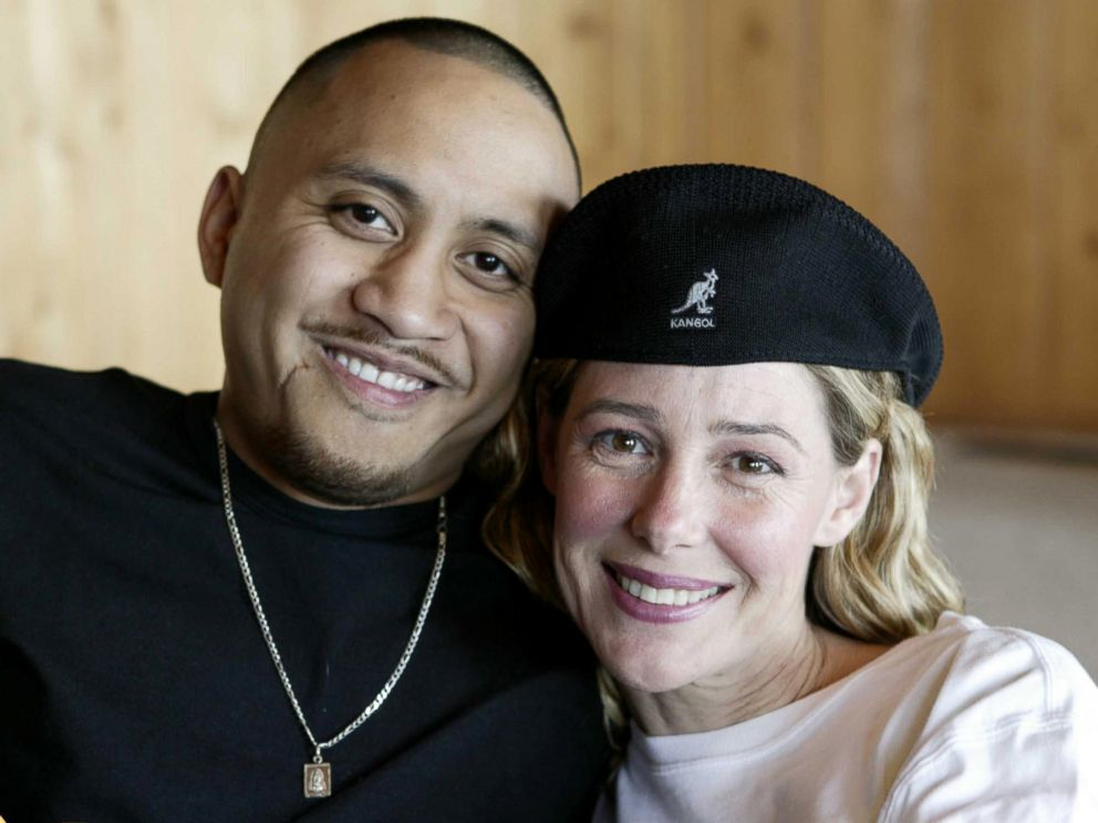 PHOTO: Mary Kay Letourneau and Villi Fualaau pose, April 9, 2005, in their home in the Puget Sound area of Seattle.