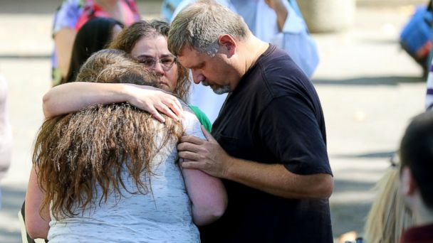 http://a.abcnews.go.com/images/US/AP_oregon_shooting_families_01_jef_151001_16x9_608.jpg
