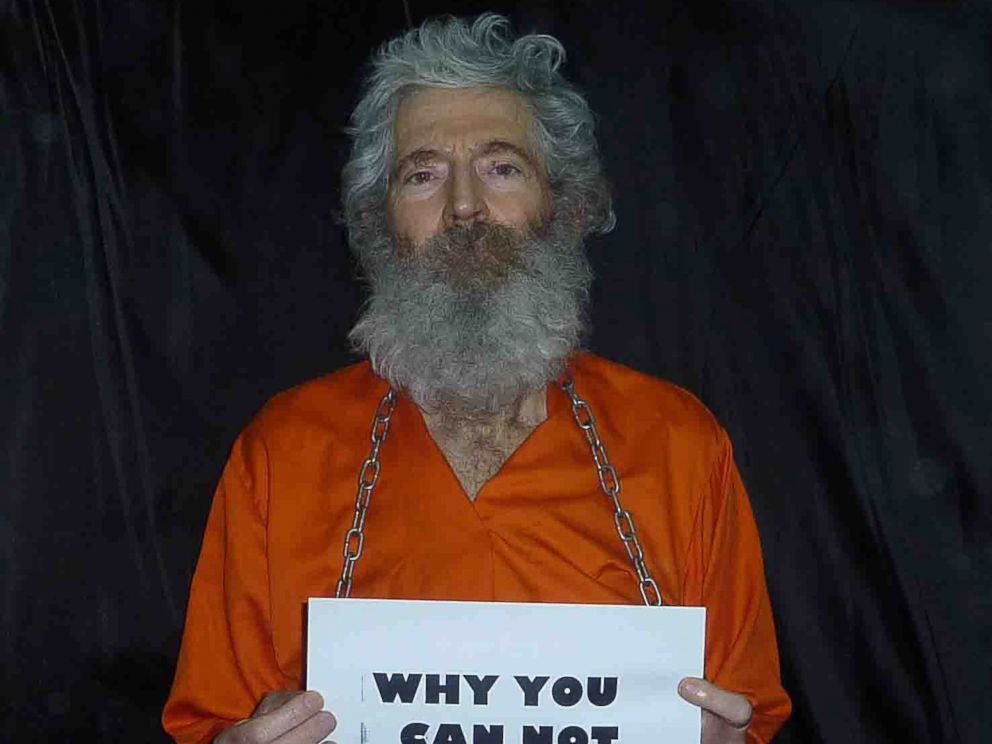 PHOTO: Retired-FBI agent Robert Levinson in a photo the family received in April 2011.