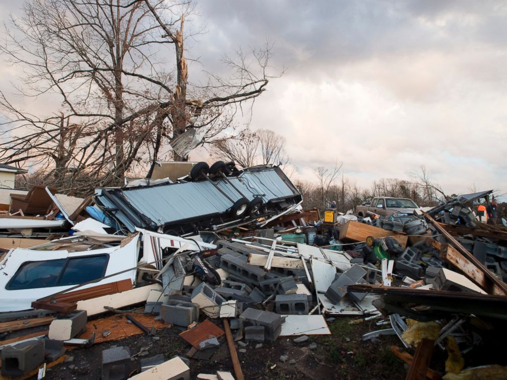 PHOTO:Tornado damage along Richmond Highway in Appomattox County, Va., is shown, Feb. 24, 2016.