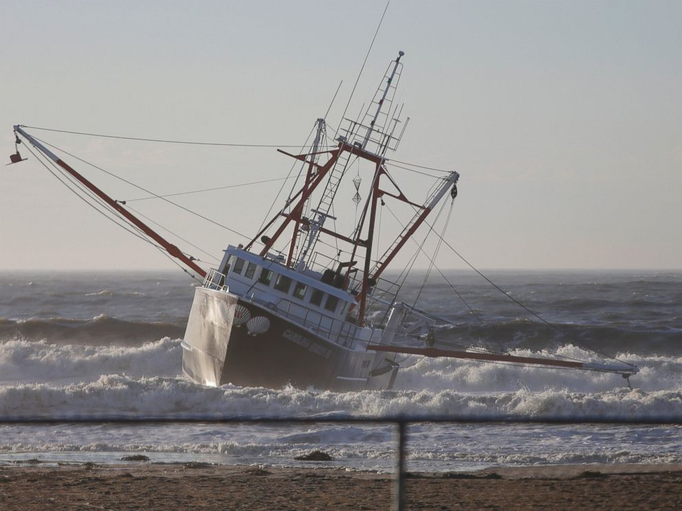 PHOTO:Fishing boat, the Carolina Queen III, rests in shallow water just off Rockaway Beach, Feb. 25, 2016, in the Queens borough of New York.