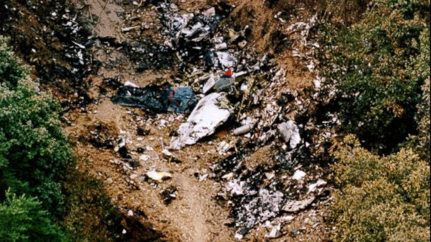 PHOTO: The wreckage of USAir Flight 427 litters the ground in Aliquippa, Pa., Sept. 9, 1994.