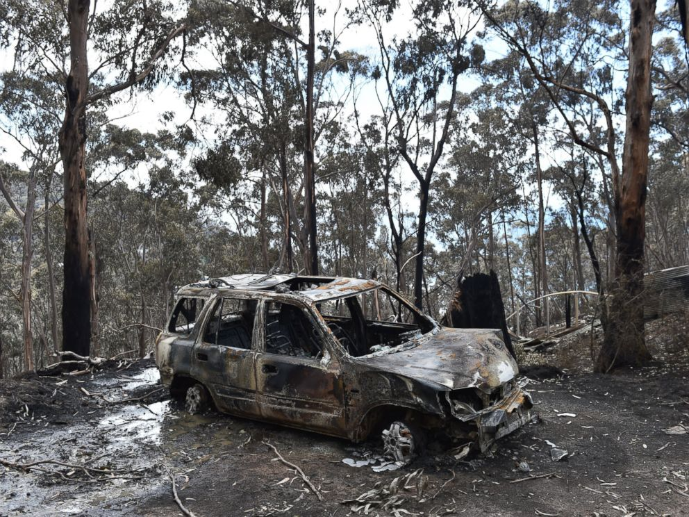 PHOTO:A fire damaged car is seen at Wye River in the Otway Ranges south of Melbourne, Australia, Dec. 27, 2015.