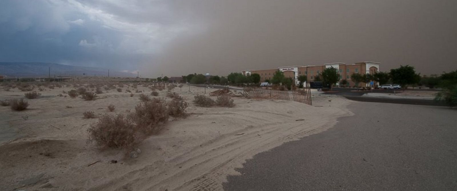 PHOTO: A haboob storm blasted dust and sand across the skies in southern California, Aug. 21, 2014.