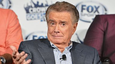 PHOTO: Regis Philbin, Crowd Goes Wild