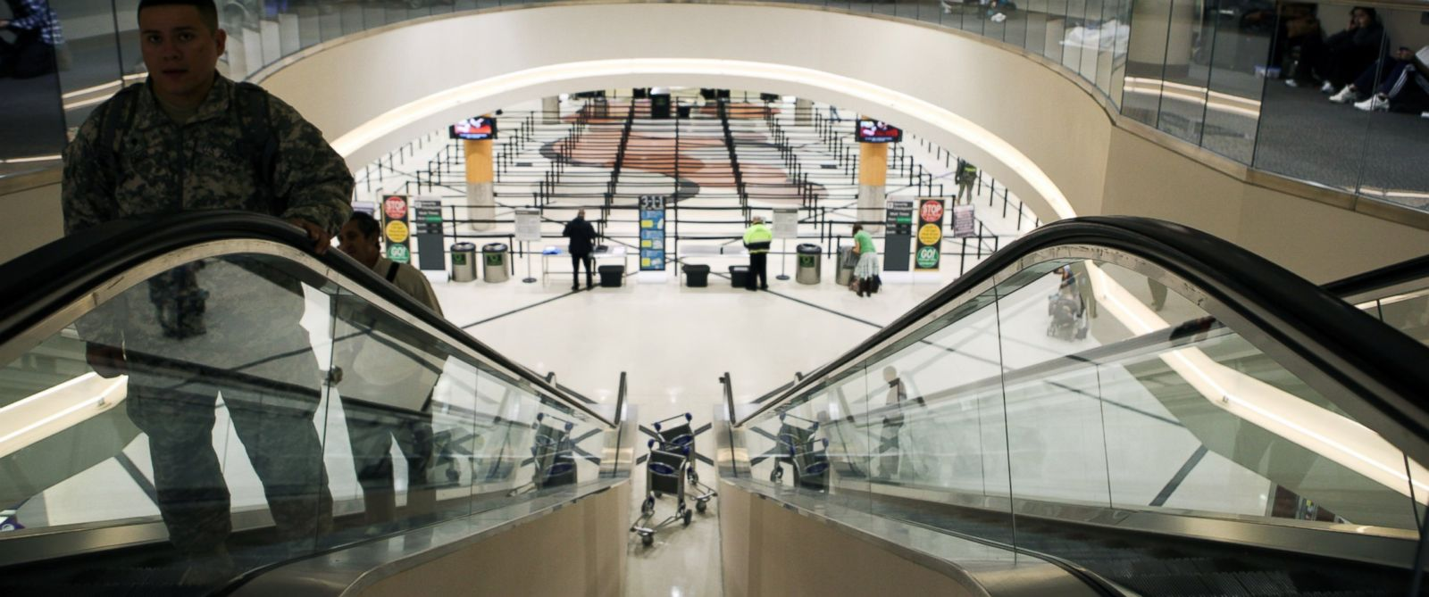 PHOTO: The security lines at Hartsfield-Jackson International Airport in Atlanta, Jan. 10, 2011.