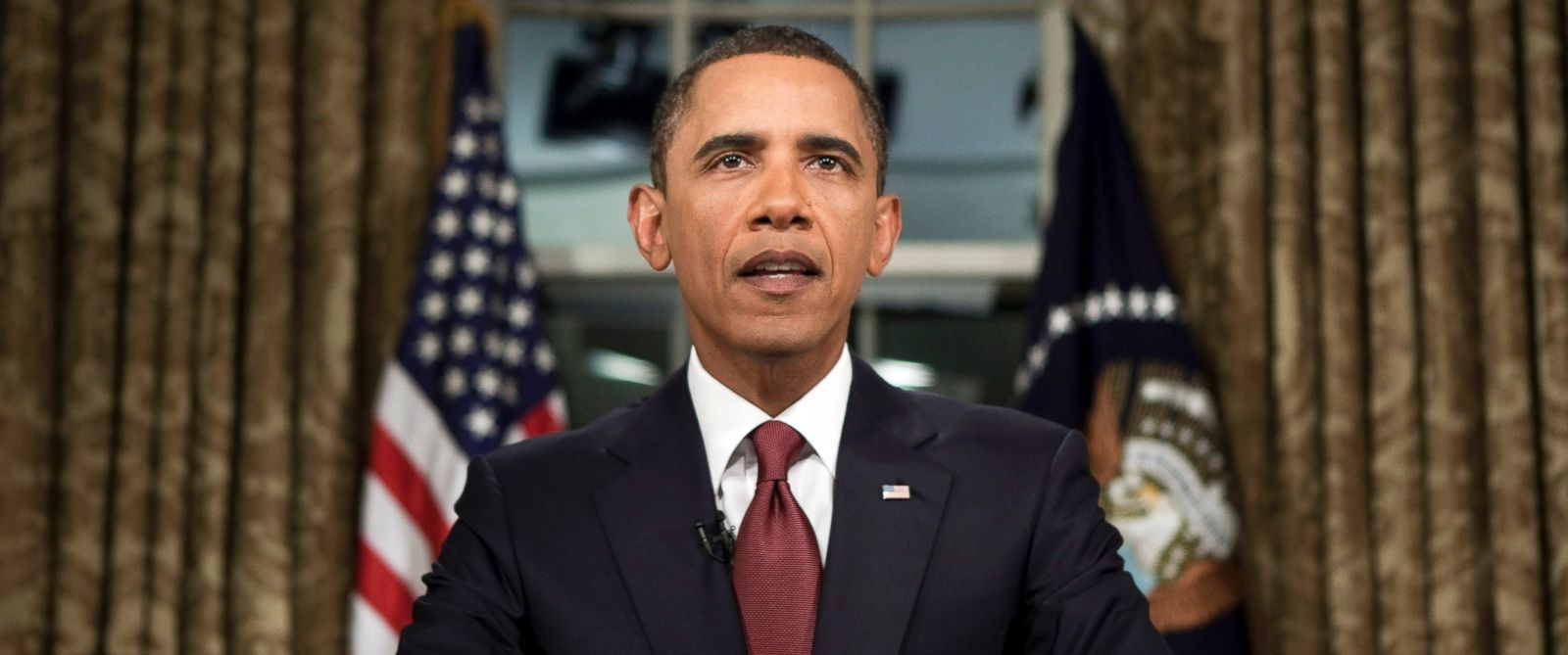 PHOTO: President Barack Obama speaks during a televised national address in the Oval Office at the White House in Washington, Tuesday, Aug. 31, 2010.