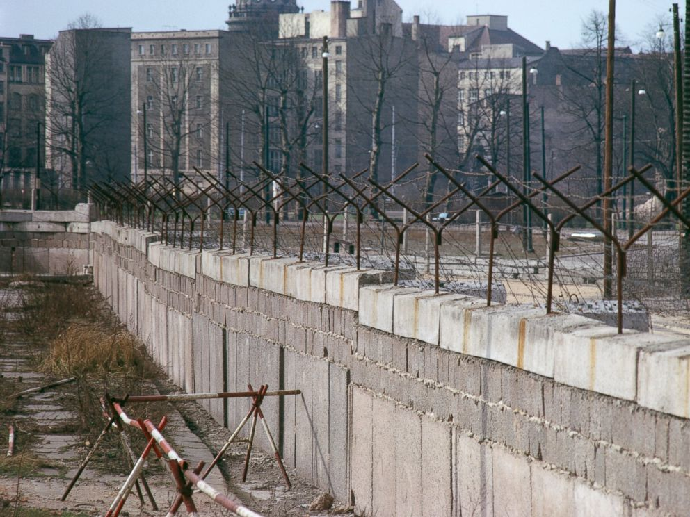 PHOTO: The Berlin Wall in Berlin, Germany, circa 1965.
