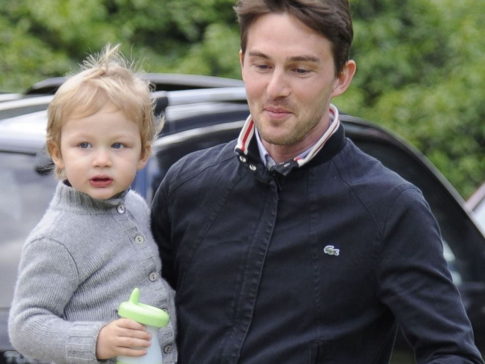 PHOTO: Kelly Rutherfords husband Daniel Giersch and son Hermes Gustaf Daniel Giersch sighting on April 7, 2009 in Beverly Hills, Calif.