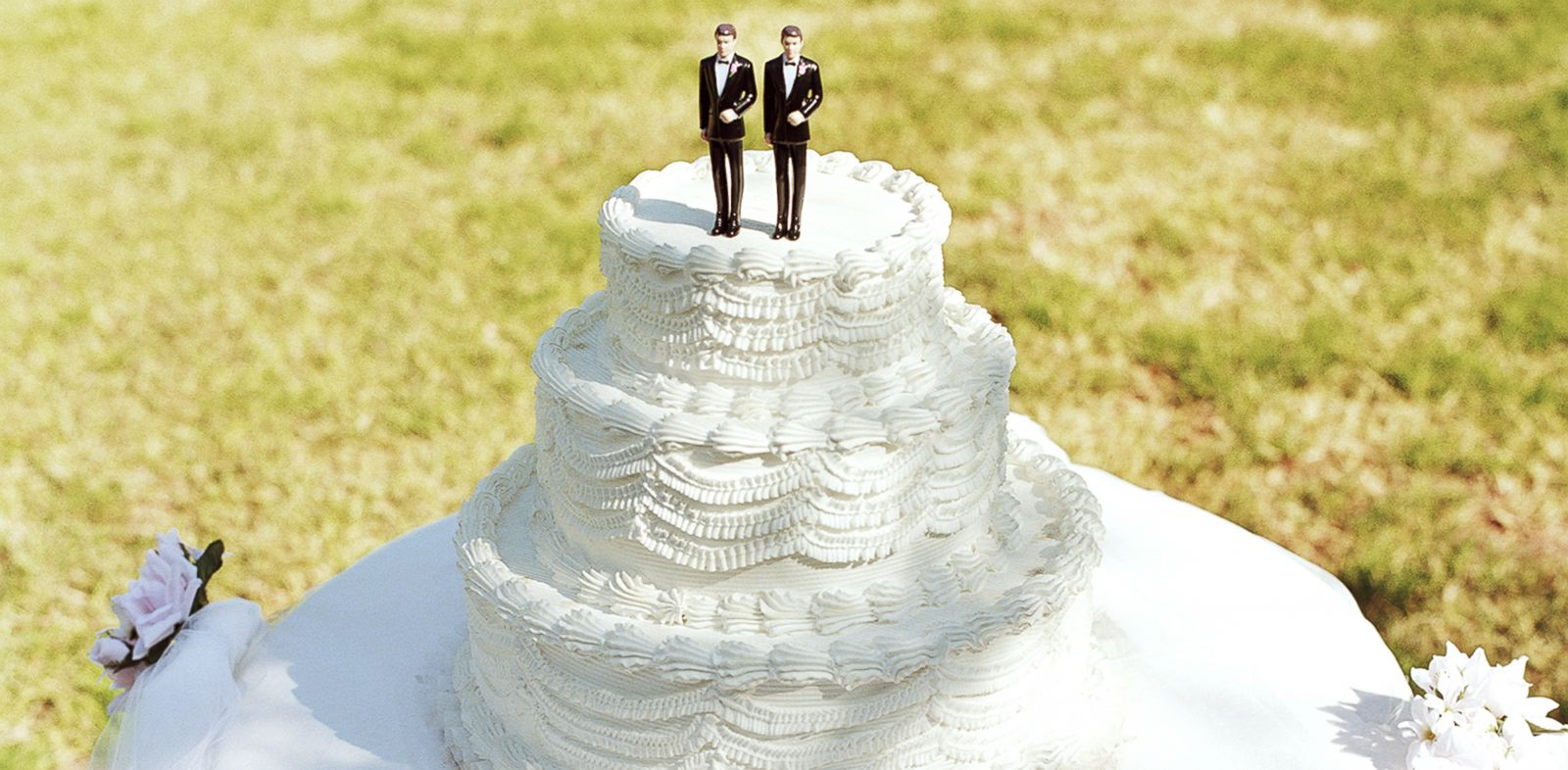 PHOTO: A judge orders a cake-maker to serve gay couples.
