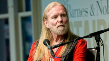PHOTO: Singer/songwriter Gregg Allman of The Allman Brothers Band visits Barnes & Noble Union Square on March 10, 2014 in New York City.