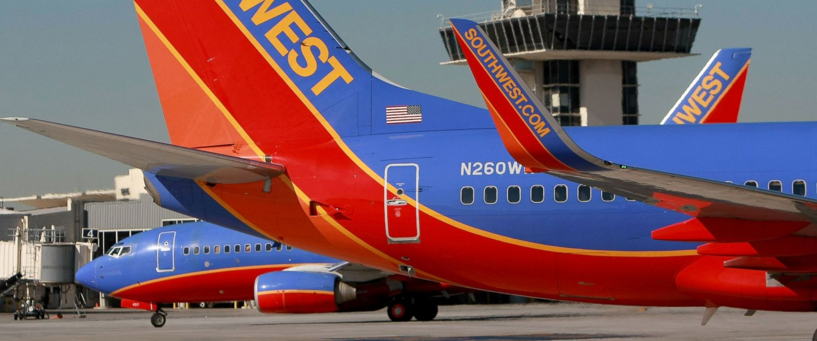 PHOTO: Southwest Airlines planes taxi at the Oakland International Airport, Oct. 16, 2008, in Oakland, Calif., in this file photo.